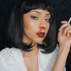 DIY Mia Wallace costume idea - Real Time - Diet, Exercise, Fitness, Finance You for Healthy articles ideas Pulp Fiction Halloween Costume, Celebrity Halloween Costumes, Halloween Cosplay, Halloween Outfits, Cosplay Costumes, Celebrity Couple Costumes, Diy Couples Costumes, Celebrity Couples, Disfraz Mia Wallace
