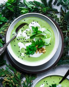 I love living in New York city, but every winter I vow to move to a warmer climate! Until I make good on my promise, I'll be cozying up… Easy Vegan Soup, Vegan Soups, Healthy Soup, Healthy Life, Veggie Soup Recipes, Vegetarian Recipes, Healthy Recipes, Green Soup, Vegan Yogurt