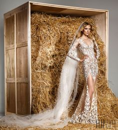 Zuhair Murad Spring-summer 2015 - Bridal - http://www.flip-zone.com/fashion/bridal/the-bride/zuhair-murad-5159