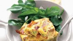 For an inexpensive entertaining option, host a brunch featuring a frugal-friendly egg main dish. Crispy prosciutto and scallion frittata. Protein Packed Breakfast, What's For Breakfast, Low Carb Breakfast, Egg Recipes, Brunch Recipes, Breakfast Recipes, Healthy Recipes, Recipies, Brunch Ideas