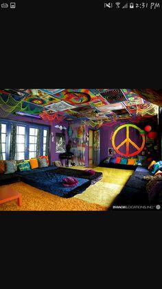 Hippie Bedroom Decor, Room Design Bedroom, Room Ideas Bedroom, Hippie Bedrooms, Bed Room, Stoner Bedroom, Dope Rooms, Mundo Hippie, Hangout Room