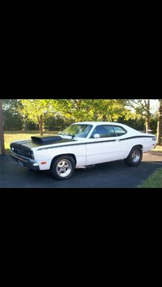 Plymouth duster Plymouth Valiant, Plymouth Duster, Dodge Muscle Cars, Mopar Or No Car, Dodge Dart, Drag Racing, Classic Cars, Bodies, Wheels