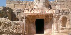 Kisah Ashabul Kahfi mendapat perhatian lebih menggunakan dipakai menjadi nama surat Al Kahfi. Hal ini tentu bukan kebetulan semata, akan tetapi lantaran kisah Ashabul Kahfi, seperti juga kisah pada al-Quran lainnya,