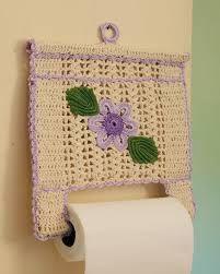 Crochet World added a new photo — with Lucinda Pastorino and Mari Ulloa. Crochet Towel, Love Crochet, Crochet Gifts, Crochet Flowers, Knit Crochet, Crochet Stitch, Crochet Organizer, Confection Au Crochet, Crochet Home Decor