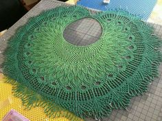 beautiful faorese crescent circle shawl peacock leaves wings