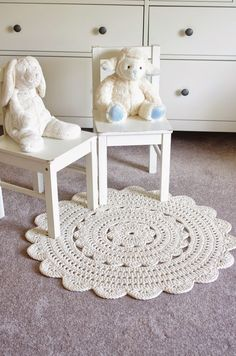 """Writing the Alicia doily rug pattern was a lot of fun, but I'm glad it's done! I made patterns for two sizes available. The small one (28"""") is great in a bathroom and the bigger (35"""") is a little girl"""