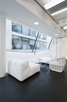 London, Modern Dentsu Office Interior Design by Essentia Designs