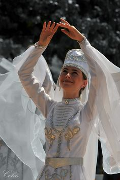 Traditional Jordanian costumes