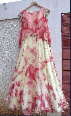 Totally would wear it to an Indian setting but more of a casual thing. say maybe a day out with family Long Gown Dress, Dress Up, Saree Dress, Boho Dress, Lehenga Skirt, Pink Lehenga, Trendy Dresses, Elegant Dresses, Beautiful Dresses