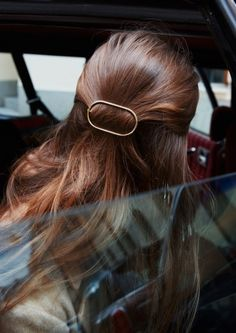 Hair Styles 2018 Pulled back hair. Discovred by : Byrdie Beauty Bob Hair, Hair Dos, Good Hair Day, Pretty Hairstyles, Classy Hairstyles, Teenage Hairstyles, Hairstyles Videos, Style Hairstyle, Latest Hairstyles