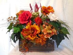 Mix-Roses Artificial Silk Flowers Arrangements Floral Arrangement in Decor vase.