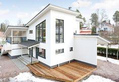 IHANA Inside A House, Sims Building, Home Fashion, My Dream Home, Future House, Terrace, Beautiful Homes, Entrance, Beach House