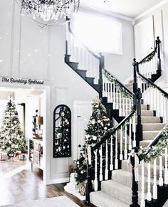 In this DIY tutorial, we will show you how to make Christmas decorations for your home. The video consists of 23 Christmas craft ideas. Home Interior, Interior And Exterior, Future House, My House, Decoration Christmas, Holiday Decorating, Decorating Ideas, Christmas Aesthetic, Home And Deco
