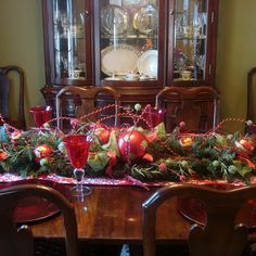 [ Dining Room Table Decoration Ideas Amazing Flower Country Decorating ] - Best Free Home Design Idea & Inspiration Dining Room Table Centerpieces, Christmas Table Centerpieces, Christmas Table Settings, Christmas Tablescapes, Christmas Table Decorations, Decoration Table, Room Decorations, Dining Table, Decorating Blogs