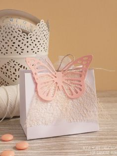Favor box – Sizzix - Bag Tall- Enhancing Flourish - Intricate Vintage Butterfly