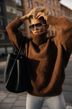 Stylish Sweaters Outfit For Cold Winter 36 Winter Sweater Outfits, Sweater Dress Outfit, Winter Sweaters, Fall Winter Outfits, Autumn Winter Fashion, Chunky Sweater Outfit, Turtleneck Outfit, Cute Sweaters, Sweaters For Women