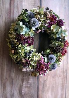 Such a day of Siberiazukizuki – Flowers Desing Ideas Rose Gold Christmas Decorations, Christmas Flowers, Autumn Wreaths, Holiday Wreaths, Holiday Decor, Deco Floral, Arte Floral, Dried Flower Wreaths, Dried Flowers