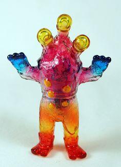 Alien Argus mini custom by Mark Nagata. Using Monster Kolor paints on clear…