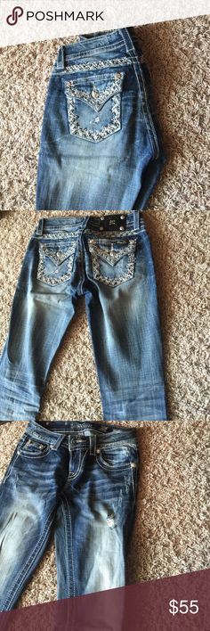Miss me jeans JUST IN NEVER WORN Got these as a gift, never wore them! Great condition Miss Me Jeans Boot Cut
