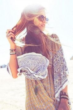 GYpsy style boho chic tunic top for a modern hippie allure. For the BEST Bohemian fashion trends FOLLOW http://www.pinterest.com/happygolicky/the-best-boho-chic-fashion-bohemian-jewelry-gypsy-/ now.