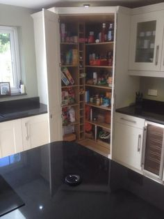 Make Your Kitchen Stunning with These Contemporary Larder Pantry Design Ideas Corner kitchen pantry - Kitchen Pantry Cabinets Designs Corner Pantry Cabinet, Corner Kitchen Pantry, Kitchen Pantry Design, Kitchen Cabinet Storage, Kitchen Interior, Kitchen Decor, Kitchen Ideas, Diy Cupboards, Kitchen Cabinets