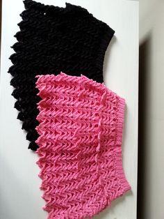 szydełkowe spódniczki, crochet skirts, video tutorial Crochet Skirts, Crochet Top, Womens Fashion, Women's Fashion, Woman Fashion, Fashion Women, Feminine Fashion, Moda Femenina