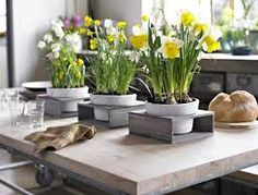 Creative Flower Arrangements Table Centerpiece Ideas Wooden Table With Nice Flower Pots Classic Style Design Amazing Decoration Ideas Creative Flower Arrangements, Spring Flower Arrangements, Spring Flowers, Yellow Flowers, Elegant Flowers, Vintage Flowers, Beautiful Flowers, Nice Flower, Flower Decorations