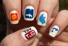 Social media nail art. internet-things-we-love