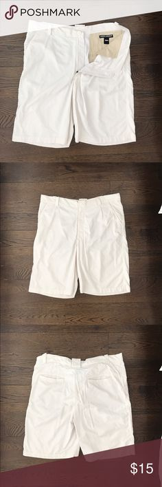 Under Armour mens golf shorts Under Armour white golf shorts for men, in a super soft and comfortable fabric Under Armour Shorts Athletic