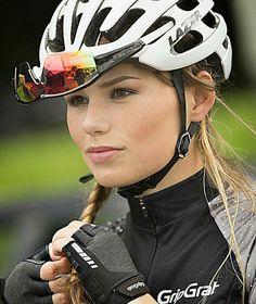 Bom fim de semana #pedalgirls #bikegirls #bikelife #mtbgirl #gripgrab