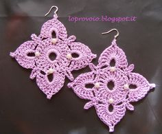 I try I: crochet earrings with freshwater pearls romantic