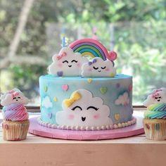 Ella Jade's cloud theme cake cake decorating recipes kuchen kindergeburtstag cakes ideas Baby Cakes, Baby Shower Cakes, Cupcake Cakes, Cupcakes, 1st Birthday Cake For Girls, Baby Birthday Cakes, Rainbow Birthday Party, Princess Birthday, 9th Birthday