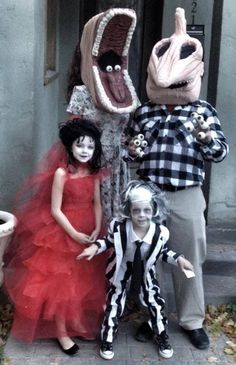 Face it, you will NEVER top this family's Halloween costumes! Beetle Juice ~ Beetle Juice ~ Beetle Juice!