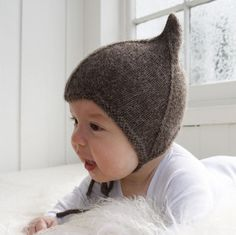 This is a soft and sweet pixie baby knit hat. The hat from the photo is made from pure soft alpaca wool. For the rest of the colors we are using soft cotton mix yarn. For available colors, please check the second pic.  The hat is knitted in a pet and smoke free home. Customizable in color and size and will be shipped within 1-3 days of payment clearance.   Thank you for stopping by our shop