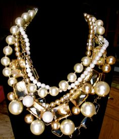 KATE SPADE NEW YORK QUINTESSENTIAL SUPREME PEARL STREET NECKLACE AUTHENTIC