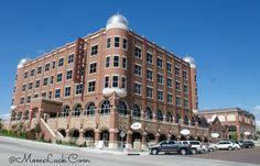 The Artesian Hotel Sulphur Oklahoma Review. One of Oklahoma's hidden treasures. A Beautiful hotel with so much history and culture. #Oklahoma #Travel