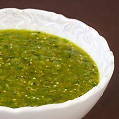 My favorite recipe for homemade fresh salsa verde! | gimmesomeoven.com #mexican #recipe #glutenfree #vegan