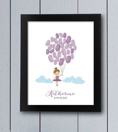 Tutú cute twins ballerina themed guest book. This picture will keep the signatures from family and friends as a nice souvenir for your girl birthday.