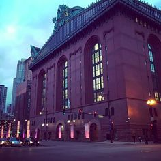 "Harold Washington Library 400 S. State Street, The Loop ""The ninth floor has a winter garden, which is basically a big, beautiful atrium with free Wi-Fi. It's the best place to kill a few hours. Chicago Travel, Travel Usa, Chicago Trip, Chicago Vacation, Visit Chicago, Oh The Places You'll Go, Places To Visit, Washington Street, My Kind Of Town"