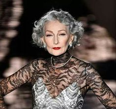 I like her hair. Her gave looks unnatural IMO. Alicia Borras, the Spanish 69 year old supermodel makes a comeback at fashion week Natural Hair Growth, Natural Hair Styles, Glamour, Grey Wig, Gray Hair, Beautiful Old Woman, Stunningly Beautiful, Ageless Beauty, Advanced Style