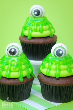 Slimy Cupcakes How-To#halloween #recipes #ghost #October #witches #ghouls #zombies #mummy #spooky #scarey #home #yourhomemagazine #kids #children #trick #treat #family #holidays #holiday