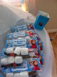 Disney Frozen Birthday Party activity - Do you want to build a snowman?  See more party ideas at CatchMyParty.com!