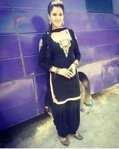 Isha Rikhi looking superb in black suit