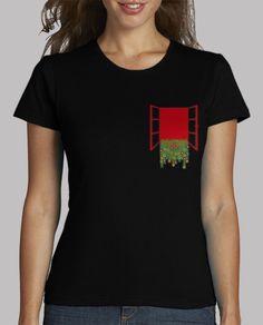 084081734517e Camiseta para ella con bolsillo en forma de ventana abierta con plantas y  flores