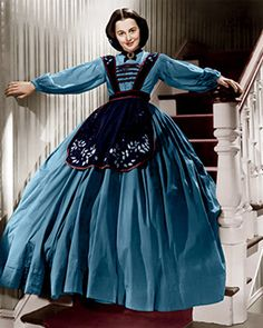 Olivia de Havilland on the set of 'Gone with the Wind', based on the novel by Margaret Mitchell and directed by Victor Fleming. (Photo by Selznick International Pictures /Metro-Goldwin-Mayer Pictures/Sunset Boulevard/Corbis via Getty Images) Golden Age Of Hollywood, Classic Hollywood, Old Hollywood, Hollywood Dress, Olivia De Havilland, Ana Karenina, Divas, Wind Movie, Victor Fleming