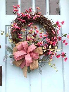 50 Beautiful Spring Wreaths Decor Ideas and Design 19 - Elva Diy Spring Wreath, Diy Wreath, Grapevine Wreath, Wreath Ideas, Wreath Making, Mesh Wreaths, Artificial Christmas Wreaths, Diy Christmas Garland, Christmas Music
