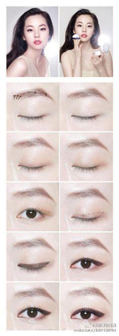 Single eye lid make up