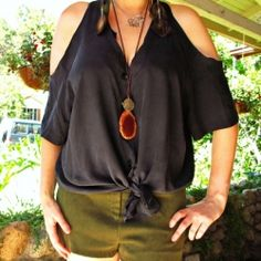 Quick and easy way to give your old (or newly thrifted) blouses a fresh new look.