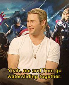 film tom hiddleston The Avengers Chris Hemsworth mark ruffalo