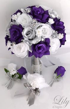 Trendy Ideas For Diy Wedding Flowers Bouquet Silk Brides Purple And Silver Wedding, Purple Wedding Bouquets, Bride Bouquets, Bouquet Wedding, Silver Bow, Purple Wedding Decorations, Church Decorations, Wedding Ideas Purple, Purple Blue Weddings